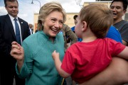 Hillary Clinton a fait campagne à Miami, le... (Photo Andrew Harnik, AP) - image 2.1