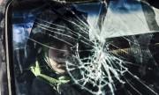 Une femme fuit la ville de Mossoul en... (AFP) - image 2.0