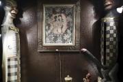 Plus de 2000 objets (meubles, sculptures, statuettes, photos,... (AFP) - image 2.0