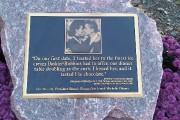 La plaque commémorative du premier baiser entre Barack... (Photo Alexandre Sirois, La Presse) - image 6.0