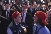 Des partisans de Donald Trump célèbrent devant les... (AFP, Mandel Ngan) - image 5.0