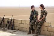 Elles sont plusieurs centaines à lutter sans merci... (AFP) - image 2.0