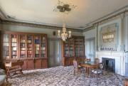 L'intérieur de la maison Monkland est particulièrement sophistiqué.... (Photo fournie par Les Éditions de l'Homme) - image 2.0