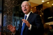 Jeff Sessions a rencontré Donald Trump, le 17... (PHOTO MIKE SEGAR, REUTERS) - image 1.0