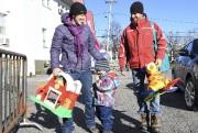 Plusieurs familles ont défilé tout au long de... (Le Progrès-Dimanche, Rocket Lavoie) - image 1.0