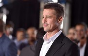 Brad Pitt a défilé sur le tapis rouge... (Photo Jordan Strauss, Associated Press) - image 2.0