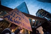 La semaine dernière,des manifestants ont protesté contrel'inauguration prochaine... (PhotoDarryl Dyck, La Presse canadienne) - image 1.1
