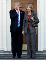 Donald Trump a rencontré Betsy DeVos samedi à... (REUTERS) - image 2.0