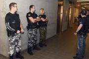 Les constables spéciaux portaient des vêtements de camouflage.... (Photo Le Quotidien, Rocket Lavoie) - image 4.0