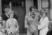 Florence Henderson (à gauche) dans un épisode de... (Photo George Brich, archives AP) - image 1.0