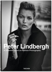 Peter Lindbergh - A Different Vision on Fashion... (Photo Peter Lindbergh (fournie par Peter Lindbergh, Paris/Gagosian Gallery) Giorgio Armani, S/S 2015) - image 3.0