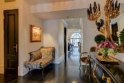 C'est ce qu'on aperçoit en entrant dans l'appartement.... (Photo Kurt Jawinski, fournie par l'agence Sutton) - image 2.0