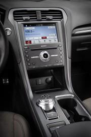 La Ford Fusion est la berline... (PHOTO FOURNIE PAR LE CONSTRUCTEUR) - image 5.0