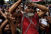 Des milliers de musulmans ont manifesté vendredi dans... (AFP) - image 2.0