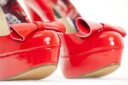Photo: 123RF/Richard Semik - fashionable platform red pumps... (123RF/Richard Semik) - image 20.0