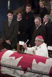 Justin, Margaret, Alexandre (Sacha) Trudeau, Deborah Coyne, Romeo... (La Presse Canadienne) - image 1.0