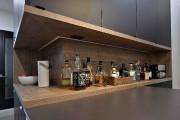 Le bar occupe une niche parée de placage... (Le Soleil, Patrice Laroche) - image 2.0