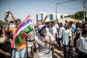 Des manifestations de joie ont éclaté dans les... (photo MARCO LONGARI, AFP) - image 1.0