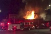Des pompiers ont diffusé sur Twitter une vidéo,... (AP, @Oaklandfirelive) - image 1.0