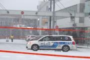 La poursuite policière s'est terminee près du complexe... (Photo Martin Chamberland, La Presse) - image 1.0