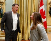 Eric Lindros (hockey) et Rosie MacLennan (trampoline)... (Photo Fred Chartrand, La Presse canadienne) - image 3.0