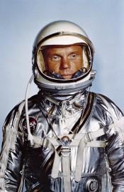 John Glenn dans sa tenue pour la mission... (AP) - image 4.0
