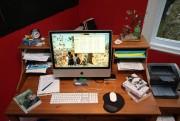 La table de travail de François Archambault... (Photo Martin Chamberland, La Presse) - image 2.0