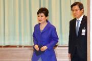La présidente Park Geun-Hye et le premier ministre... (AFP) - image 1.0