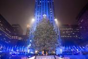 Le sapin du Rockefeller Center de New York... (PHOTOALEX WROBLEWSKI, ARCHIVES REUTERS) - image 1.1