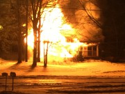 Le feu a rapidement pris de l'ampleur.... (fournie) - image 2.0