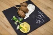 Mini-keftas d'agneau, sauce à lamenthe... (PHOTO OLIVIER PONTBRIAND, LA PRESSE) - image 2.0