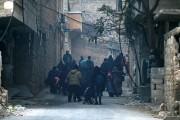 Des civils fuient l'une des dernières zones rebelles... (PHOTO REUTERS) - image 1.0