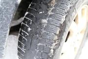 Les pneus à l'avant de ce véhicule utilitaire... (Janick Marois, La Voix de l'Est) - image 4.0