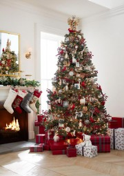 Le sapin traditionnel... (Photo fournie par Pottery Barn) - image 3.0