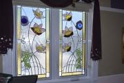 Pour réaliser les vitraux pour les fenêtres, l'artiste... (Le Quotidien, Louis Potvin) - image 2.0