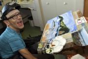 Steve Potvin utilise pour peindre un casque adapté... (Le Progrès-Dimanche, Rocket Lavoie) - image 3.0