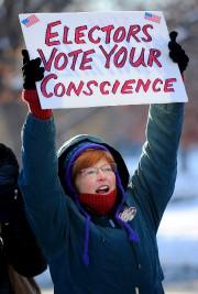 Une partie du clan démocrate, qui voit dans... (AFP) - image 2.0