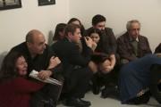 Des gens présents à l'exposition de photos ont... (AP, Burhan Ozbilici) - image 3.0