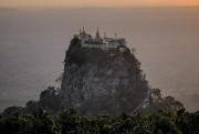 Monastère au sommet du mont Popa, créé par... (Photo Jonathan B. Roy, collaboration spéciale) - image 2.0