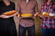 Le repas-partage, communément appelé potluck, gagne en popularité... (Photo Olivier Jean, La Presse) - image 2.0