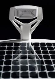 Un panneau solaire convertit la lumière du soleil... - image 1.0