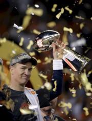 Peyton Manning s'est retiré dans la gloire au... (AP) - image 2.0