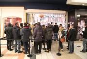 Au EB Games, les employés laissaient entrer les... (Janick Marois, La Voix de l'Est) - image 2.1
