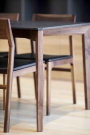 Le nouveau modèle de table créé par Kastella... (Adrien Williams) - image 3.0