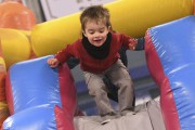 Les jeux gonflables étaient très prisés des enfants.... (Photo Le Quotidien, Michel Tremblay) - image 1.1