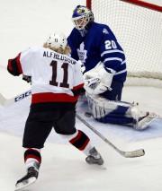 Daniel Alfredsson a marqué plusieurs buts importants contre... (Archives, La Presse canadienne) - image 6.0
