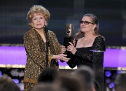 Debbie Reynolds et Carrie Fisher lors de la... (Photo Vince Bucci, ARCHIVES Invision/AP) - image 2.1