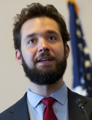 Alexis Ohanian... (PHOTO SAUL LOEB, AFP) - image 1.0