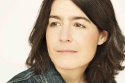 L'auteure Annick Lefebvre... (Julie Artacho) - image 1.0