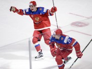 Les Russes sont montés sur le podium pour... (THE CANADIAN PRESS) - image 3.0